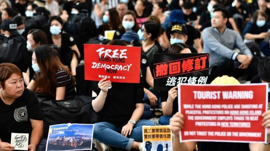 Hong Kong protesters.jpg