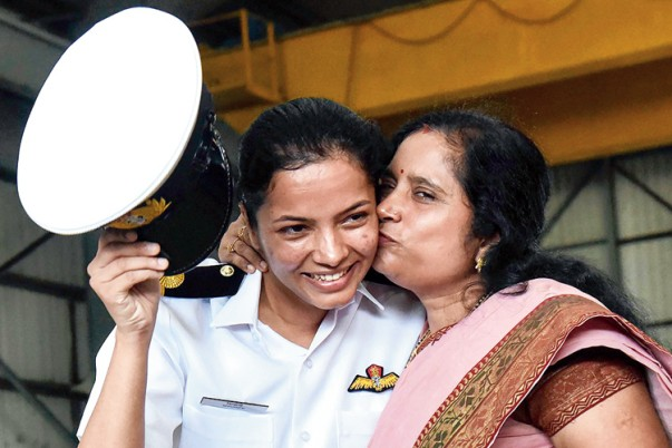 Shivangi with her mother.jpg