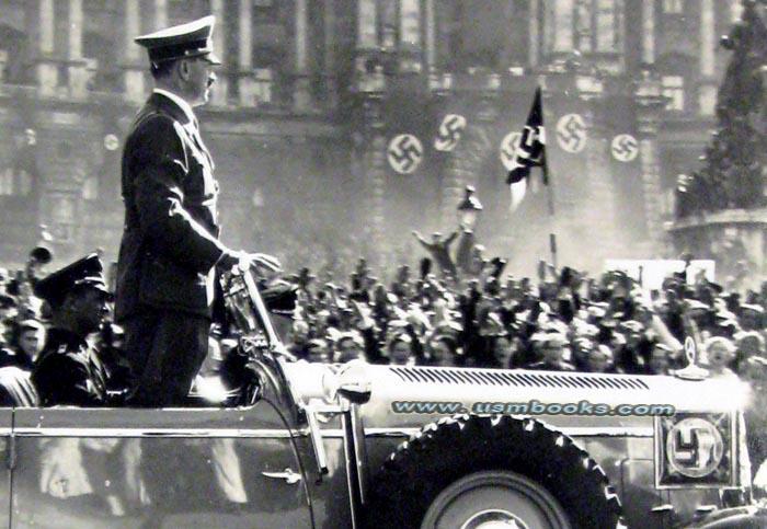 Hitler in Vienna.jpg